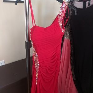 Size 0 La Femme one shoulder red dress
